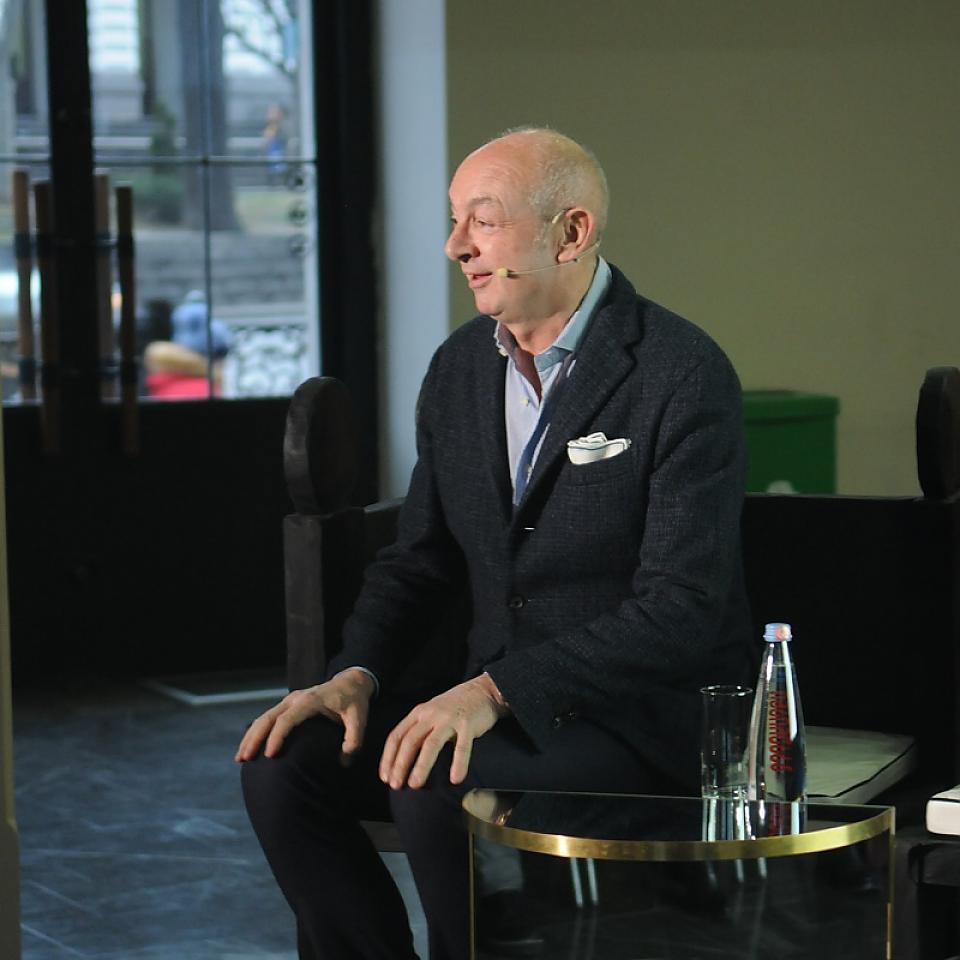Famous  Italian architect and designer Piero Lissoni led a Master Class in collaboration with GRANAT